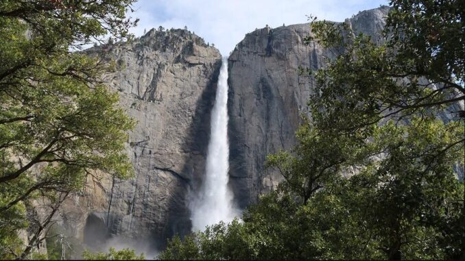When is the best time to visit Yosemite National Park